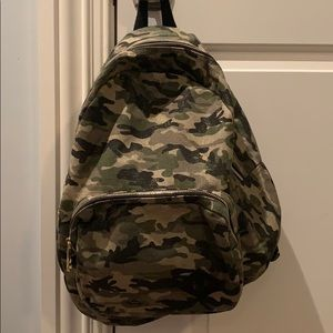 Army Madden Girl Backpack in new condition!